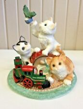 A Derail Tail Kittens Figurine (A)