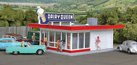 3484 Walthers Cornerstone Vintage Dairy Queen Ice Cream Stand HO Scale