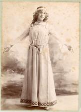 Femme en costume médiéval, ca.1895, Vintage albumen print Vintage albumen print