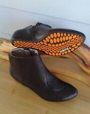 NEW TSUBO Hidden Wedge Ankle Boot RETNO Brown Zipper Comfort Sz 5.5 M/ $149