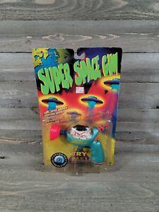 """SUPER SPACE GUN  """"Throbbing Eyeball"""" vintage 1996 TRENDMASTERS- New! Sold As Is"""