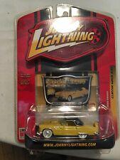 Johnny Lightning White Lightning 1956 Ford Thunderbird Classic Gold R35