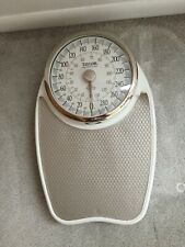Taylor weighing scale - white