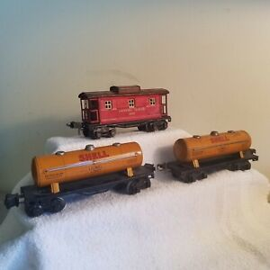Lionel Set of 3 Pre War Cars<+>1680 Tank Car<+>2680 Tank Car<+>2657 Caboose<+>