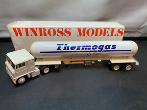 Winross Thermogas COE Tractor Truck With Tanker Trailer 1/64 Diecast