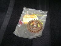 Suzuki NOS GEAR, 5TH DRIVEN  ALT 50 ALT125 LT125 24351-18904