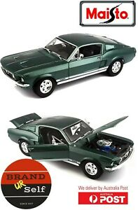 Maisto 1967 Ford Mustang GTA Fastback Green 1:18 Diecast car