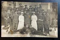 AK Fotographie 1. Weltkrieg, Kompagnie, Feldlazarett Krankenschwestern nicht gel
