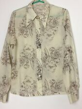 Vintage 1970s Ladies Shirt With Lovely Delicate Pattern  M