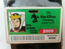 Disney Pin * Dec - Evil Queen Employee I.D. Badge - Green Le 300 #72282