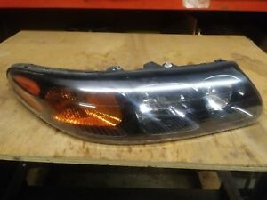 2003 Pontiac Bonneville Right Headlight Assembly