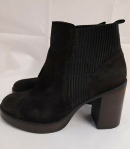 LADIES CLARKS SUEDE ANKLE BOOTS SIZE 6