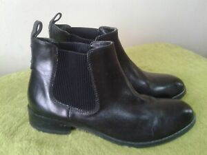 ☆ CLARKS BLACK LEATHER FLAT CHELSEA ANKLE  BOOTS UK 6 1/2 D