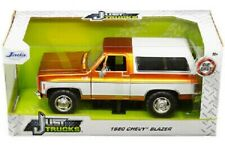 1980 CHEVROLET BLAZER  COPPER AND WHITE  1.24  SCALE BY JADA