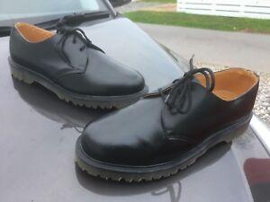 Vintage Dr Martens 8249 black leather shoes UK 9 EU 43 Made in England