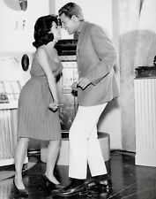 PEYTON PLACE - TV SHOW PHOTO #11 - BARBARA PARKINS + RYAN O'NEAL