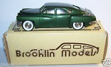 RARE BROOKLIN TUCKER TORPEDO VERT FONCE 1948 REF 2X AUTOMOBILE CLUB USA IN BOX