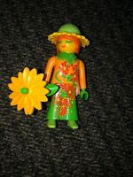 Playmobil SERIES 11 WOMAN W/ YELLOW FACE & SUNFLOWER  #9147