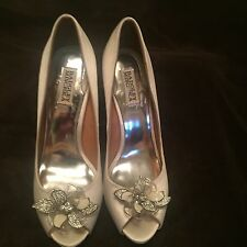Badgley Mischka Sz 10 Ivory Satin Cleone Wedding Peep Toe Shoes w/Flower On Toe!
