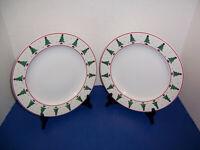 "Sakura Debbie Mumm ""Magic of Santa"" 2 Dinner Plates Christmas Trees Moon Stars"