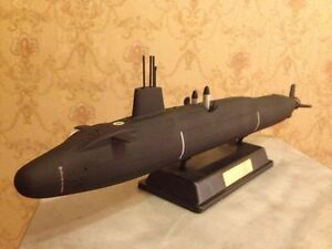 1:350 Great Britain Vanguard class submarine complete model
