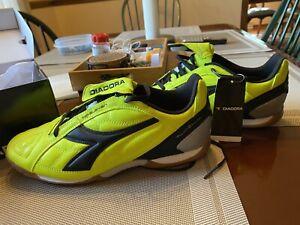 men indoor soccer shoes size 9 Diadora