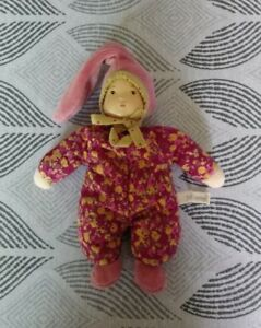 Doudou Moulin Roty Petite chose poupée rose fushia prune fleurs hochet 18cms