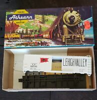 ATHEARN BEV-BEL HO SCALE LV LEHIGH VALLEY 40' RAILROAD FREIGHT BOX CAR 864-2