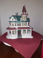 DICKENS COLLECTABLES TOWNE SERIES PORCELAIN LIGHTED HOUSE 1998 CHRISTMAS...