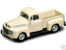 New In Box Road Signature 1/43 Diecast O Scale Cream color 1948 FORD F-1 Truck