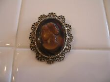 Beautiful Vintage Tortoise Shell Faux Cameo Brooch Pin In Gold Tone