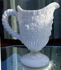 Antiguo Vidrio Prensado: una leche Victoriana Jarra De Vidrio