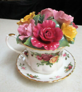 """ROYAL ALBERT """" Old Country Roses """" Musical Teacup with Applied Roses    Boxed"""