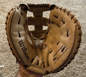 "Wilson A440 31"" Womens Fastpitch Softball Catchers Mitt, Right Hand Throw"