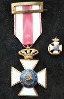 España Medalla militar Orden SAN HERMENEGILDO 1951/75 Cruz de oro y Pin Nº 57