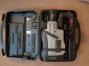 Panasonic S VHS 625 Video Camera with Hardcase & Batteries