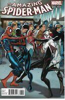 The Amazing Spider-Man #13 Marvel Comic Book 2015 - Salvador Larroca Variant NM