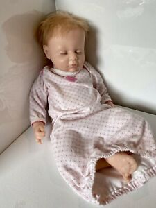 REBORN TYPE DOLL~BABY~SILICONE~ASHTON DRAKE~BREATHES~HEARTBEAT~WEIGHTED~READ