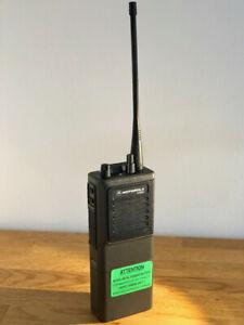 Original Motorola HT800 Handfunkgerät / UHF/VHF-Radio +NEU+1 Airline-Nachlass