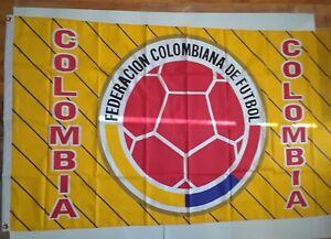 BANDERA DE FEDERACION DE COLOMBIA $20 (SIZE 2 Ft 11 Inch  X 4 Ft 11 Inches)