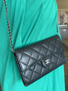 AUTHENTIC CHANEL Wallet On Chain WOC