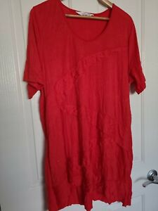 LADIES PLUS SIZE 'VIRTUELLE BY TS' RED TOP SIZE M