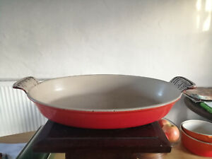 Preowned - Orange 28cm Le Creuset Enamel Cast Iron Skillet - 2 Handles