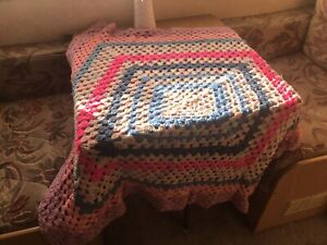 Vintage/ Retro Crochet Knitted Granny Square Blanket Throw