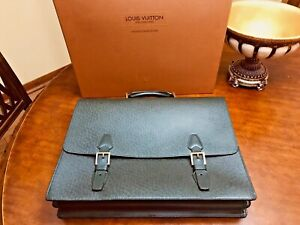 "LOUIS VUITTON ""TASHKENT"" Taiga Leather Briefcase/ Business Bag /Attache -FRANCE"