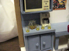 Empty Pitcher of Ice Tea w/ 4 glasses - 1/18 Diorama