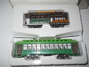 HO Scale: 2 Classic Streecars not powered