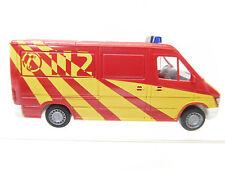 eso-6882Wiking 1:87 Mercedes Sprinter Feuerwehr mit minimale Gebrauchsspuren
