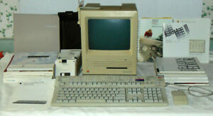 Apple Macintosh SE (1988) / Extended Keyboard / Manuals & Extras.. Working!