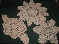 3 Vtg Lot 50s Cream Crochet Doilies Pineapple Style 2 Star Round 1 Oblong #PB14